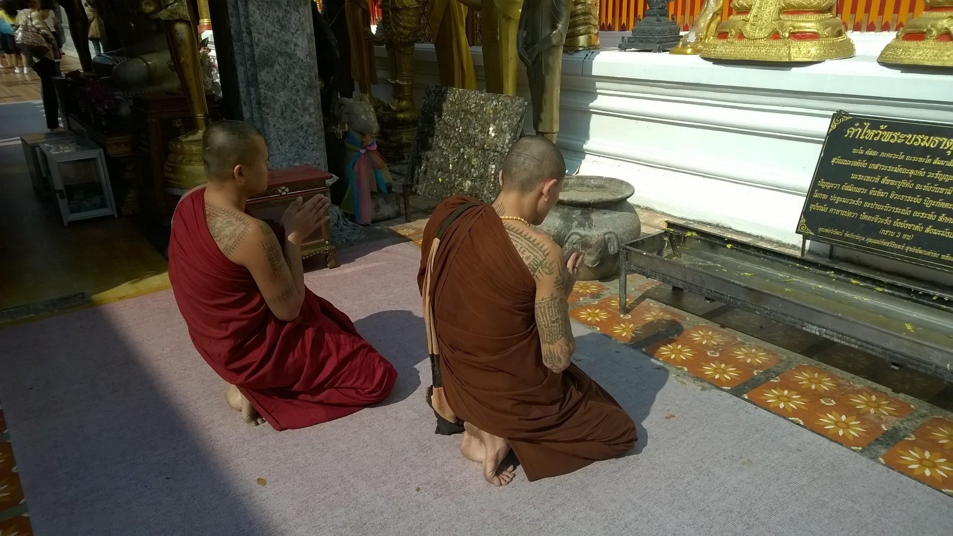 comportamento in thailandia nei luoghi sacri